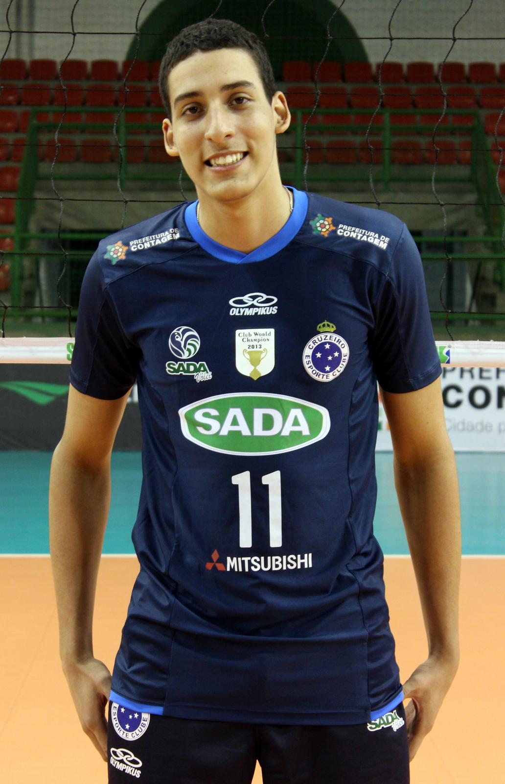 Sada Cruzeiro contrata e aposta na recuperação do ponteiro ... 3da571def6528